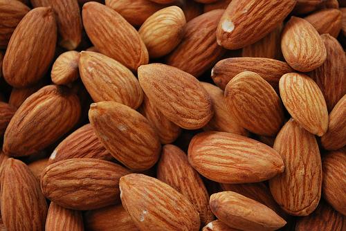 Almond-Nuts-3060098365_c2c5dc4786