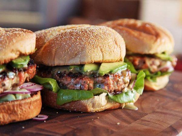 Juicy-Burgers-With-Creamy-Avocado-And-Feta