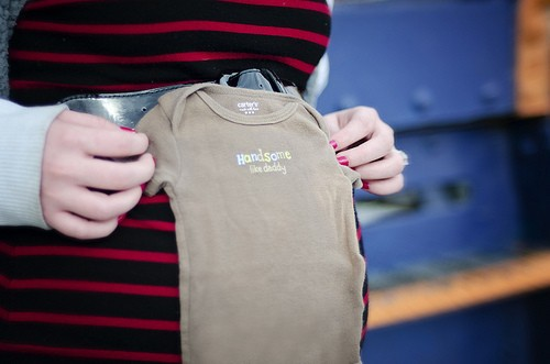 pregnant clothing photo