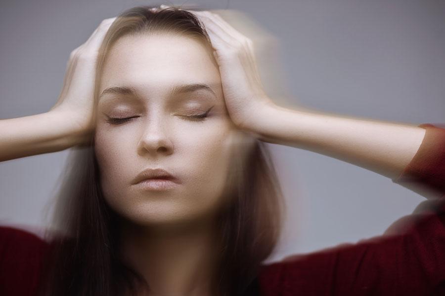 symptoms of a stroke in women