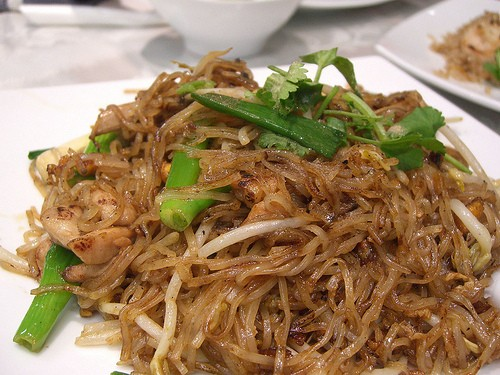 stir-fried noodles photo