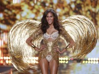 Model Cindy Bruna displays a creation at the Victoria's Secret fashion show in London, Tuesday, Dec. 2, 2014. (Photo by Joel Ryan/Invision/AP)