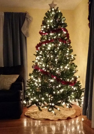 Pre Lit Artificial Christmas Trees Review (National Tree 7-1/2-Foot)